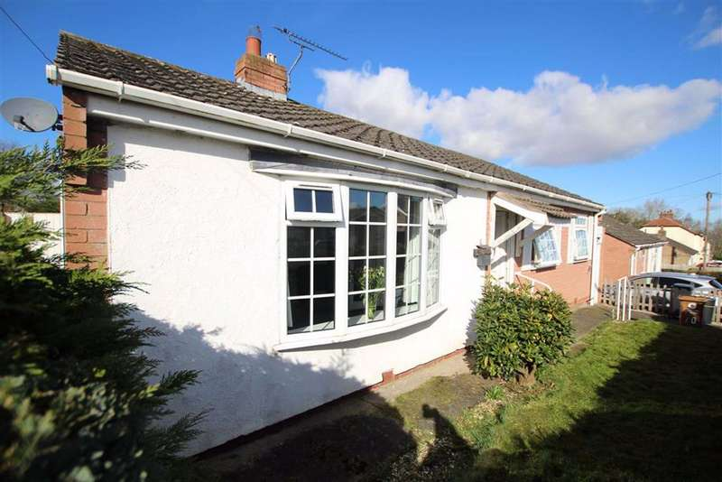 3 Bedrooms Detached Bungalow for sale in Manor Drive, The Manor, Flint, Flintshire, CH6