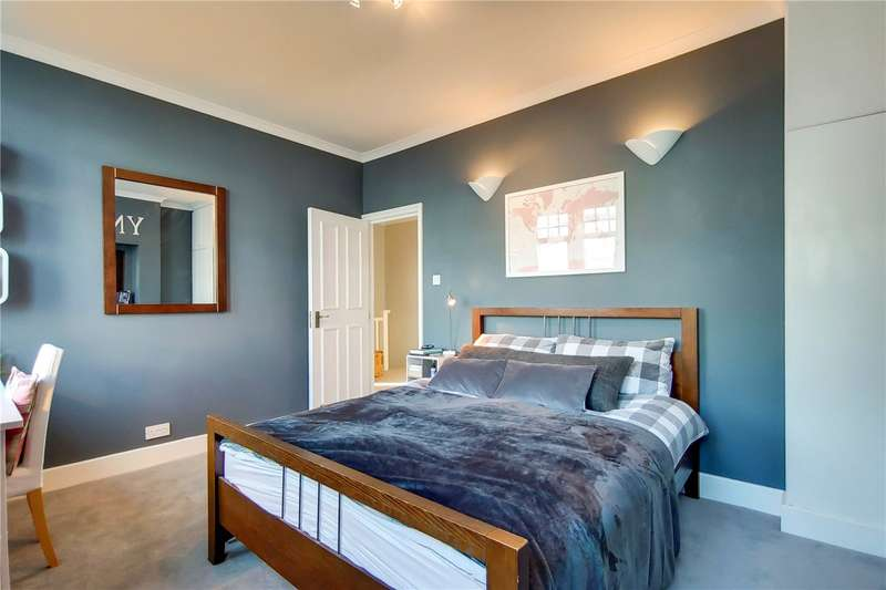 2 Bedrooms Flat for sale in Arthur Road, London, SW19