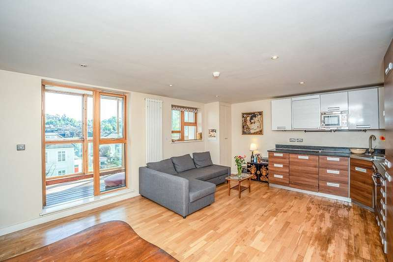 2 Bedrooms Apartment Flat for sale in Blue Building, 115 Woolwich Road, London, SE10