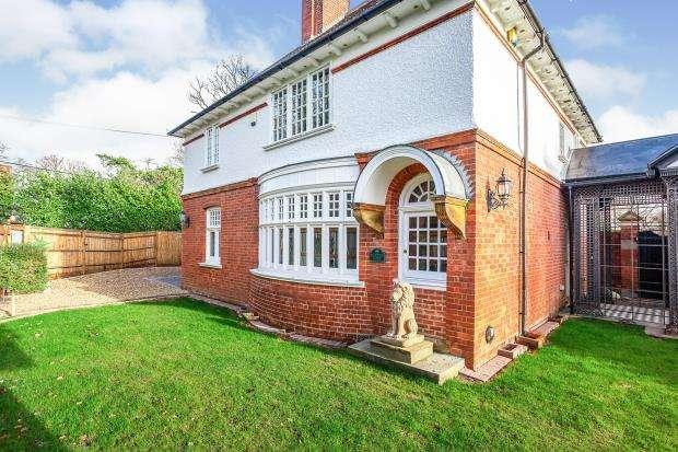 4 Bedrooms House for sale in Elmbridge Road, Cranleigh, Surrey