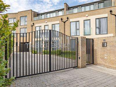 4 Bedrooms House for sale in Gunnersbury Mews, London