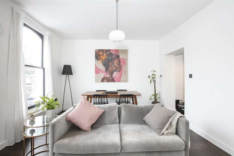 3 Bedrooms Flat for sale in Vicarage Grove, Camberwell, SE5