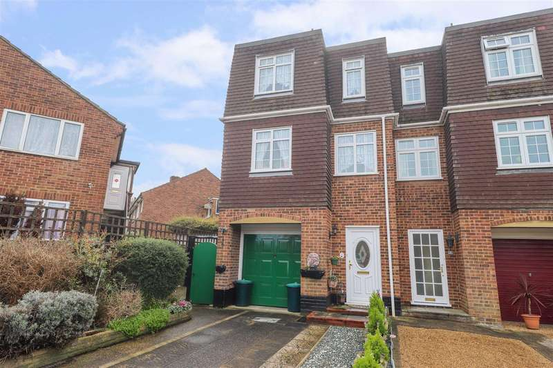 3 Bedrooms Town House for sale in Thatcher Close, West Drayton