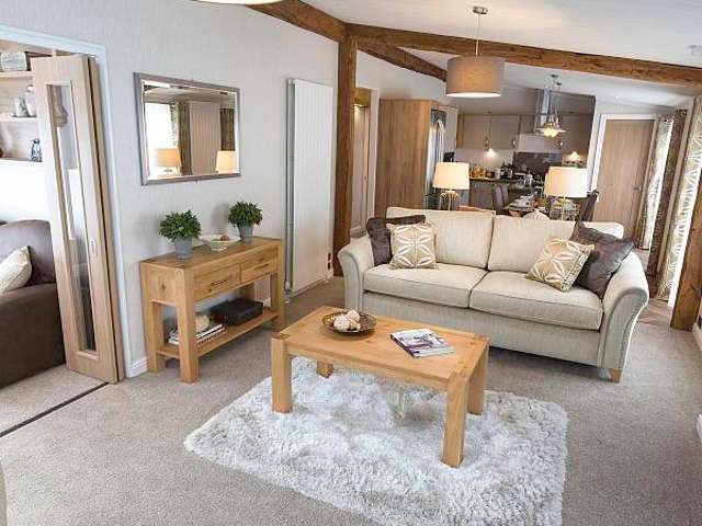 2 Bedrooms Lodge Character Property for sale in West Mersea, Colchester