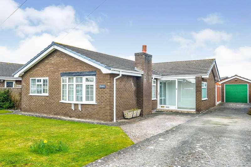 3 Bedrooms Detached Bungalow for sale in Llanddulas Avenue, Kinmel Bay, Conwy, LL18