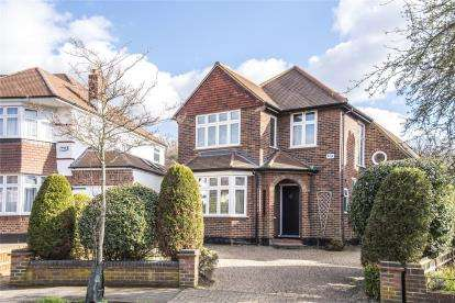 5 Bedrooms Detached House for sale in Westland Drive, Hayes
