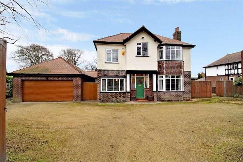 4 Bedrooms Detached House for sale in Higher Lane, Lymm