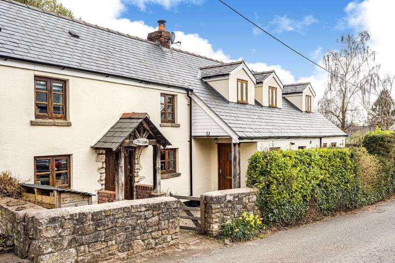 4 Bedrooms Property for sale in Llanvair Discoed, Chepstow