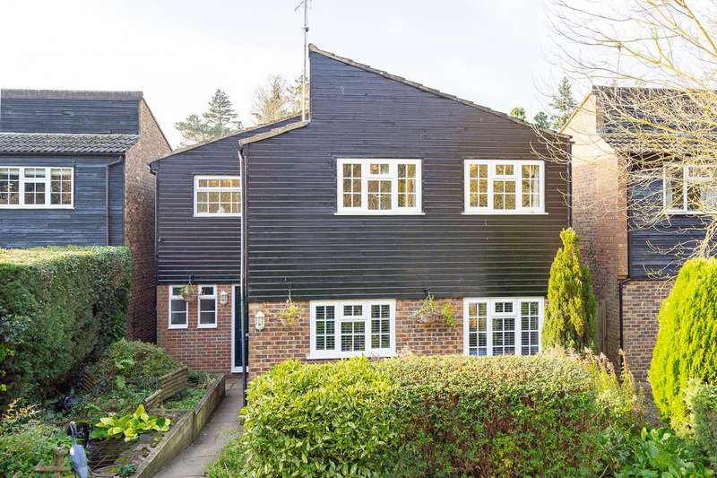 4 Bedrooms Detached House for sale in Dicket Mead, Welwyn