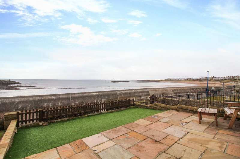 4 Bedrooms Terraced House for sale in Covent Gardens, Newbiggin-By-The-Sea
