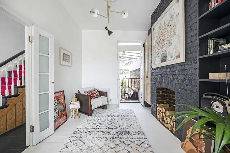 3 Bedrooms House for sale in Batley Road, Stoke Newington, N16
