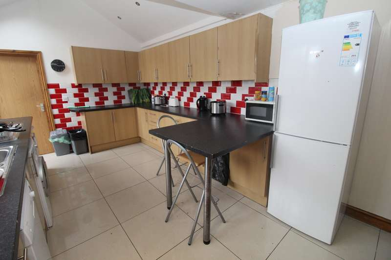 8 Bedrooms House for rent in Richards Street, Cathays, Cardiff
