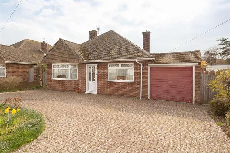 3 Bedrooms Detached Bungalow for sale in Hereford Gardens, Birchington