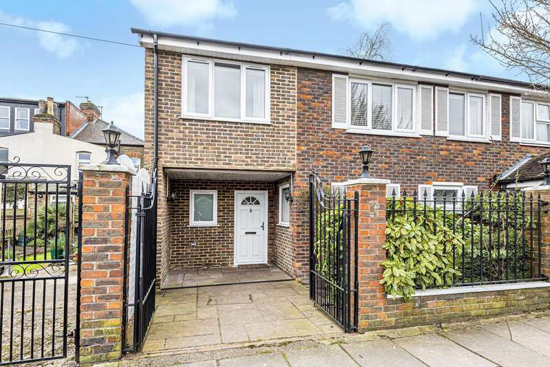 4 Bedrooms Semi Detached House for sale in Clonmel Road, Teddington, TW11