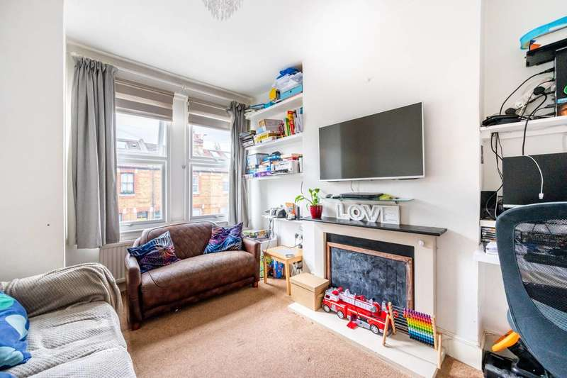 2 Bedrooms Maisonette Flat for sale in Edgington Road, Streatham, SW16