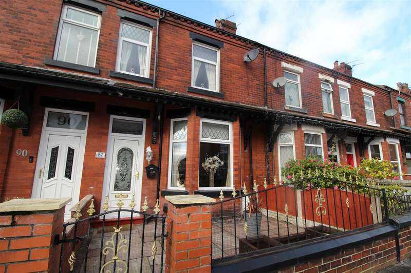 3 Bedrooms Terraced House for sale in Barnsley Street, Springfield, Wigan. WN6 7HZ