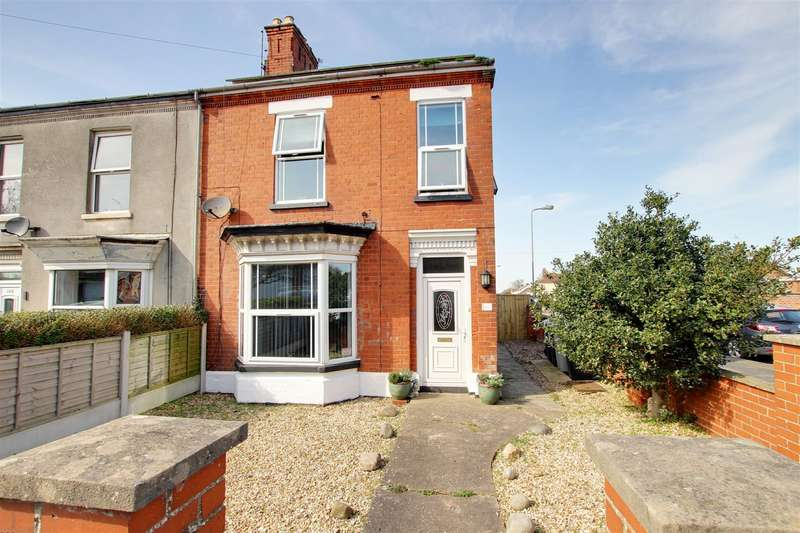 3 Bedrooms Semi Detached House for sale in High Street, Mablethorpe