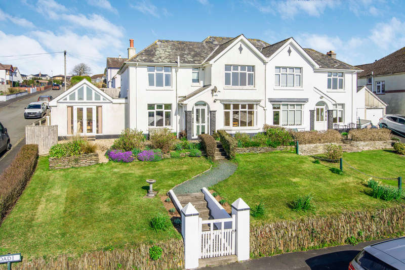 4 Bedrooms Semi Detached House for sale in Warren Road, Kingsbridge