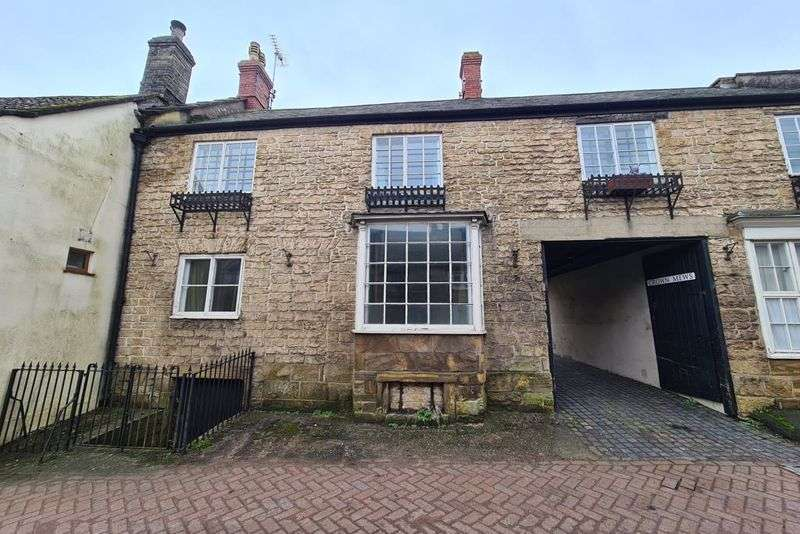 2 Bedrooms Property for sale in South Street, Crewkerne