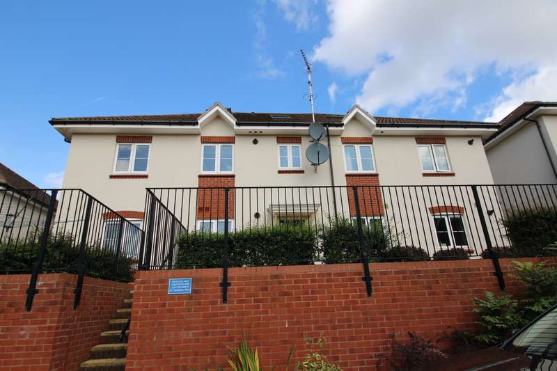 2 Bedrooms Flat for rent in Valerian Close, , Bristol, BS11 9UE