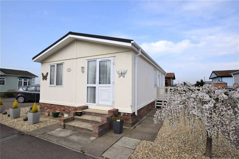 2 Bedrooms House for sale in Pear Tree Manor Park, Wainfleet Bank, Skegness, PE24