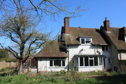 3 Bedrooms Semi Detached House for sale in Overstrand, Cromer, Norfolk