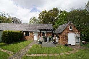 5 Bedrooms Detached House for sale in Battle Road, Robertsbridge, East Sussex