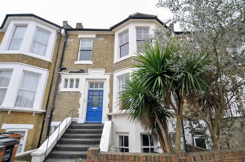 3 Bedrooms Flat for sale in Kyverdale Road, London