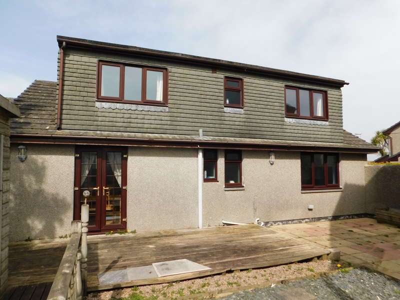 5 Bedrooms Detached Bungalow for sale in GOOD SIZE FAMILY HOME