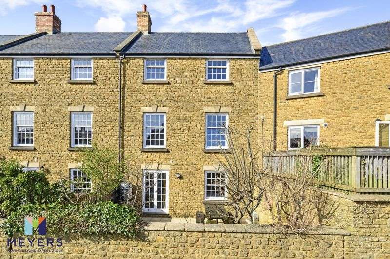 3 Bedrooms Property for sale in North Street, Crewkerne