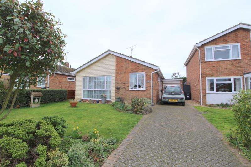 2 Bedrooms Bungalow for sale in Horsey Road, Kirby-Le-Soken