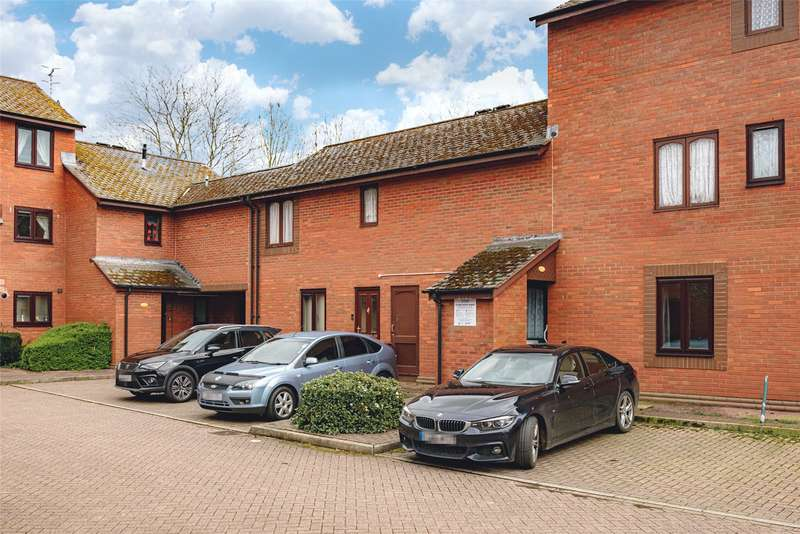 2 Bedrooms Retirement Property for sale in 30 St. Marys Close, Newtown, Powys, SY16 2BG