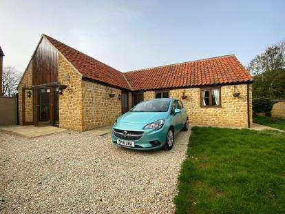 3 Bedrooms Bungalow for sale in Castle Cary, Somerset
