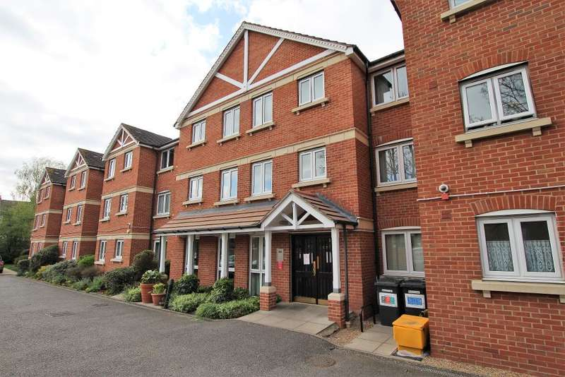 1 Bedroom Flat for sale in Heron Court, Moreland Road, Ilford, Essex, IG1 4EW