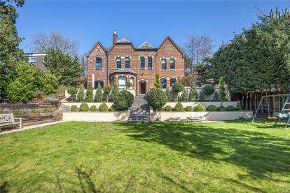 6 Bedrooms Detached House for sale in Lubbock Road, Chislehurst