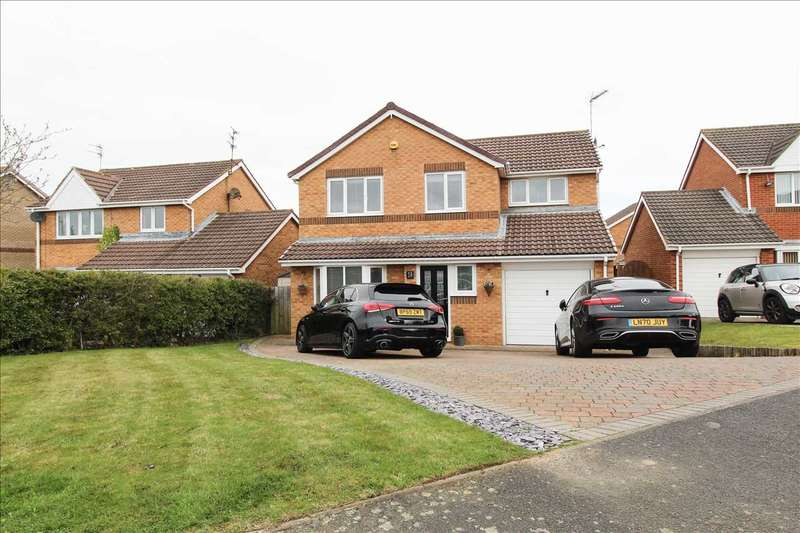 4 Bedrooms Detached House for sale in Highstead Avenue, Northburn Wood, Cramlington
