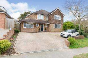 4 Bedrooms Detached House for sale in Claremont Rise, Uckfield, East Sussex, .