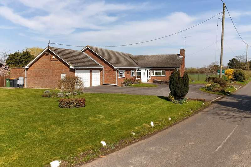 4 Bedrooms Detached Bungalow for sale in Tebworth Road, Wingfield, LU7