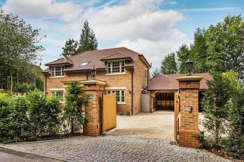 4 Bedrooms Property for sale in Woolmer Lane, Bramshott