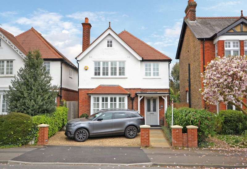 4 Bedrooms Detached House for sale in Ember Lane, Esher, KT10
