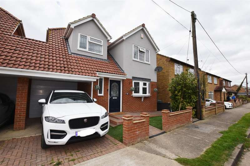 3 Bedrooms House for sale in Eastfield Road, Canvey Island