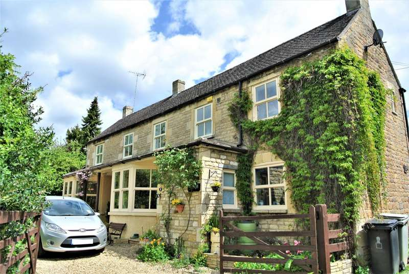 3 Bedrooms Cottage House for sale in Aldgate, Ketton, Stamford