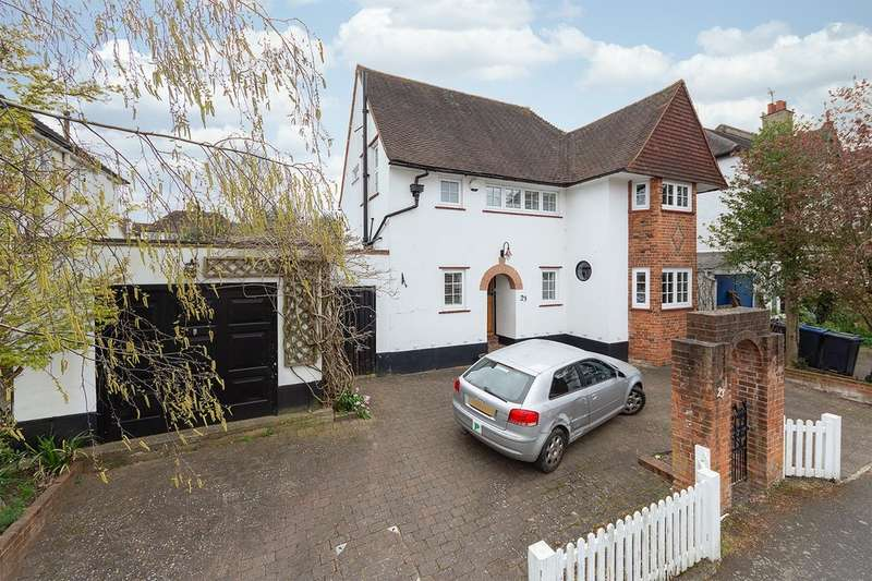 4 Bedrooms Detached House for sale in Kendall Avenue South, Sanderstead