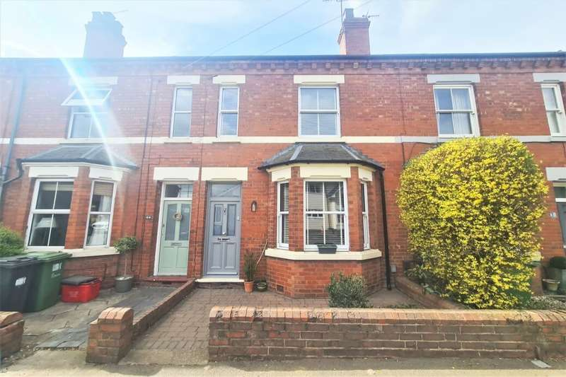 4 Bedrooms Terraced House for sale in Priory Road, Kenilworth, CV8