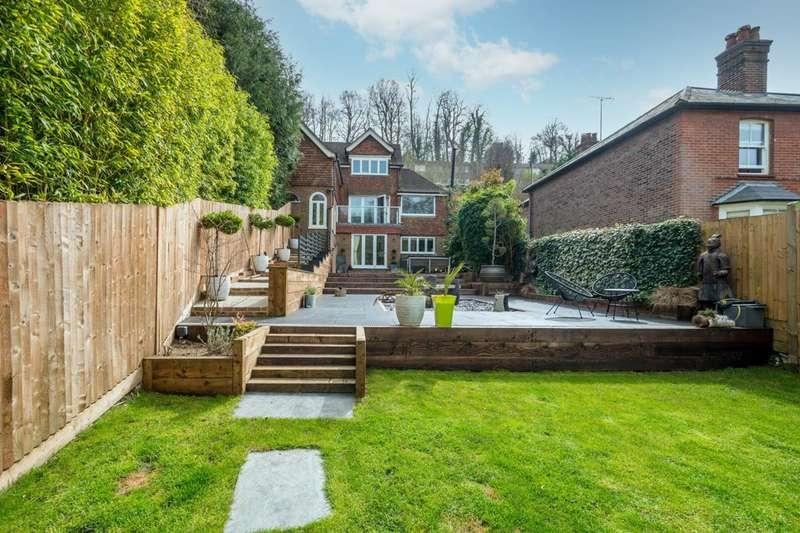5 Bedrooms Detached House for sale in Ockford Road, Godalming, GU7