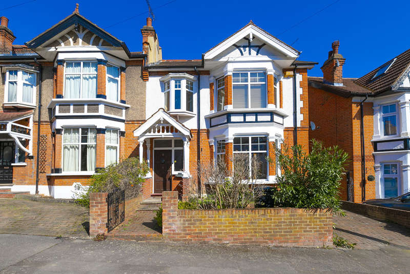 5 Bedrooms Semi Detached House for sale in Empress Avenue, Woodford Green