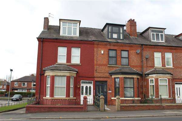 4 Bedrooms Terraced House for sale in Rochdale Road, Manchester