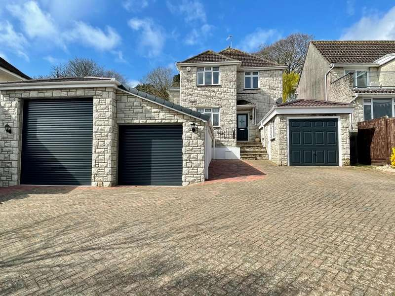 4 Bedrooms Detached House for sale in Beautifully Presented Family Home, Belfield Park Avenue