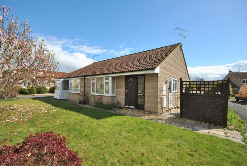 2 Bedrooms Semi Detached Bungalow for sale in Greenhayes, Cheddar