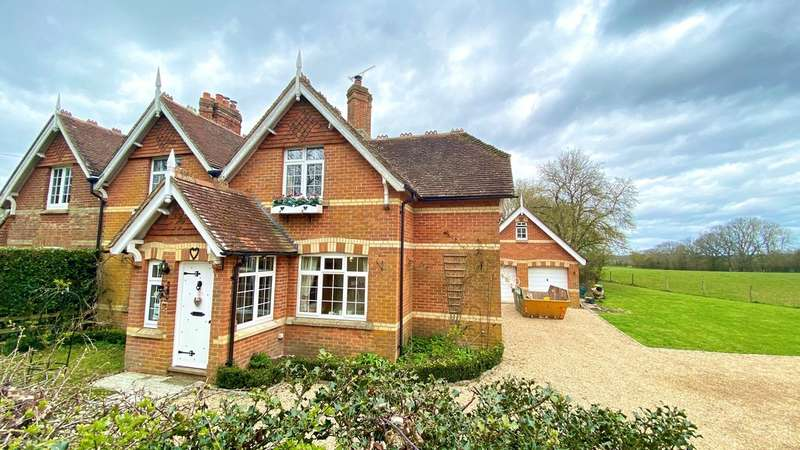 5 Bedrooms House for sale in Hawkley Road, Liss